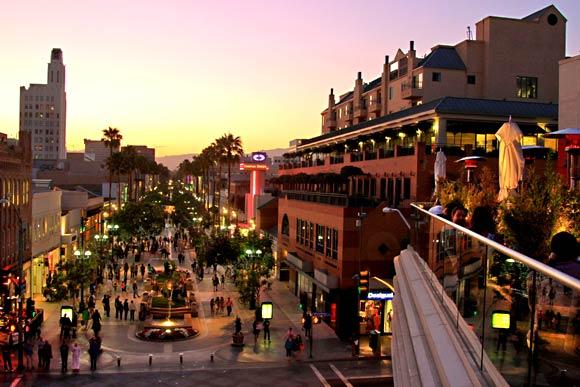 Third Street Promenade LA Girl Santa Monica Guide