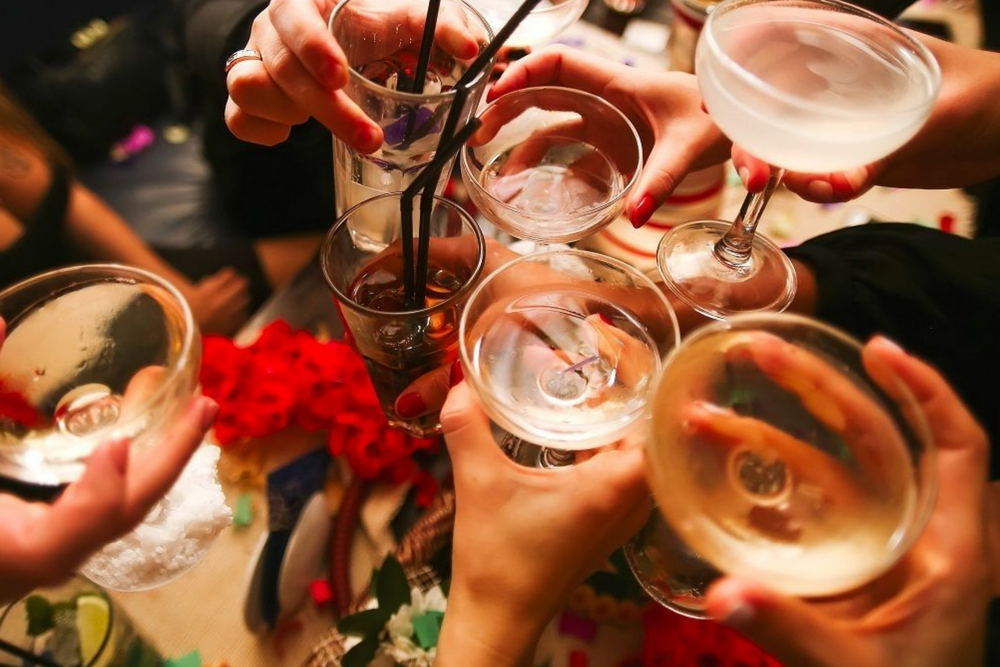 things to do in la december happy hour
